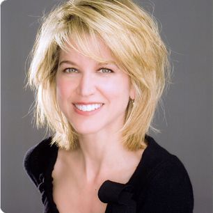 Paula Zahn - medium layered hair