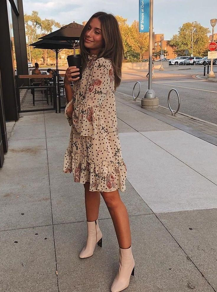 Pretty floral print dress with trendy white boots. -   13 style Dress with boots ideas